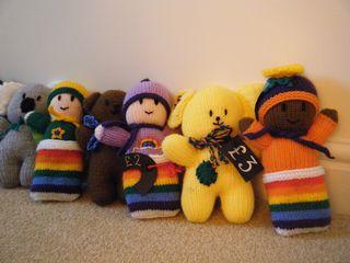 Knitted teddies (4)