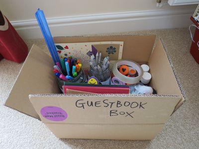 Guestbook art equipment in box