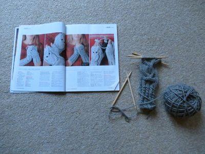Knitting owl wrist warmer