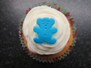 Christening bear cupcakes (5) (640x480)