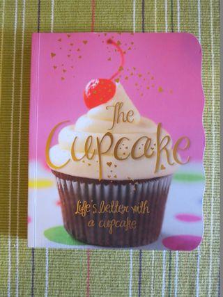 Baking chocolate cupcakes (1) (600x800)