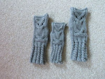 Knitted owl wrist warmers (3)