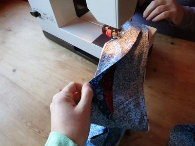 How to make a curtain tie back (4) (640x480)