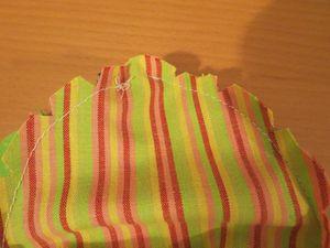 Making a baby sunhat (5) (800x600)