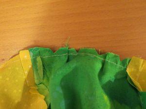 Making a baby sunhat (6) (800x600)