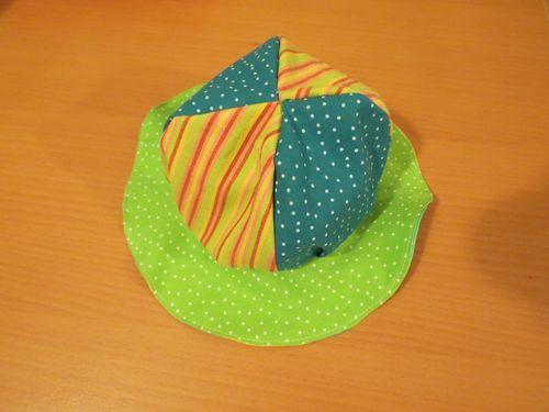 Making a baby sunhat (7) (800x600)
