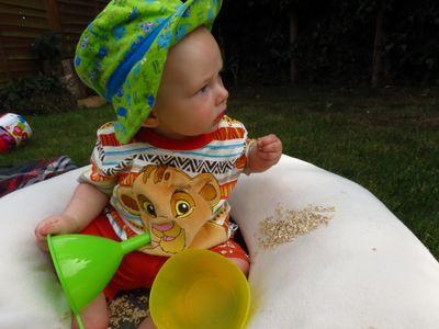 Sensory play - oats! (4) (800x600)