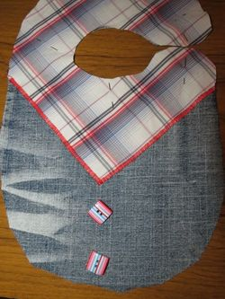 Making a cowboy bib with upcycled fabric (6) (600x800)