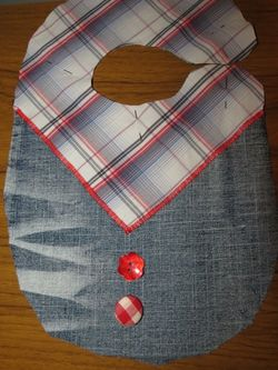 Making a cowboy bib with upcycled fabric (9) (600x800)
