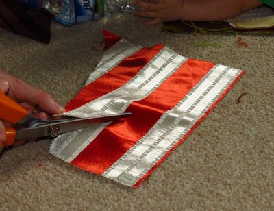 Cutting fabric to make upcycled bunting (6) (800x616)