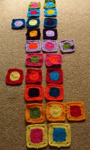 Spots and squares crochet squares for bag (2) (800x600)