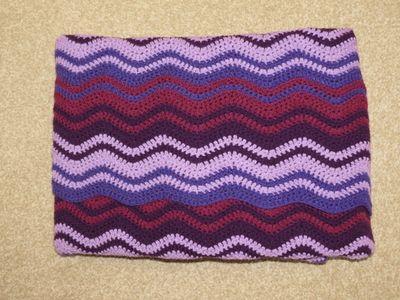 Finished ripple blanket in purple (3) (800x600)