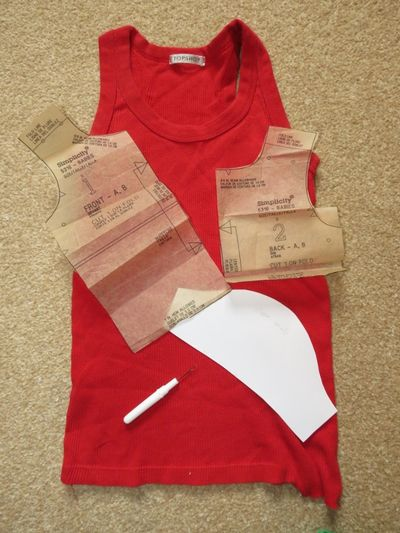 Upcycling - baby t-shirt from a t-shirt (2)