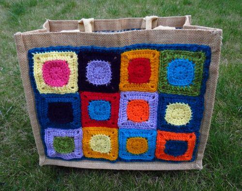 Finished crochet patchwork bag (2) (800x631)