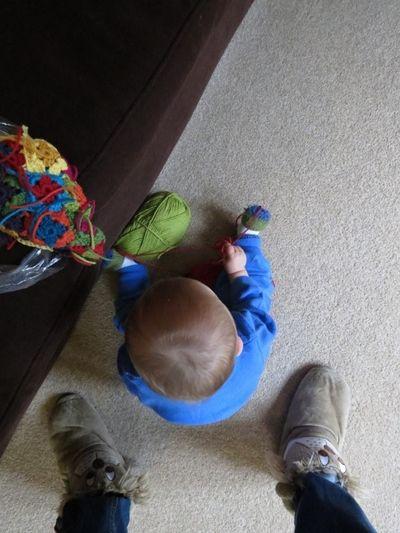 My little crochet helper (600x800)
