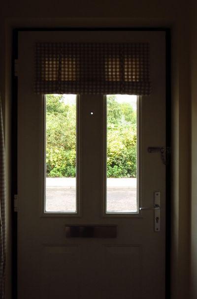 Making a front door blind (19)
