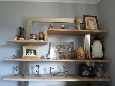 Shelves in spare room (800x600)