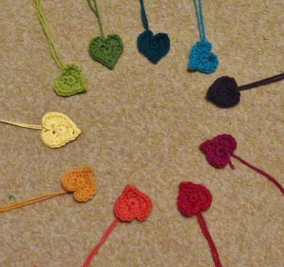 Crochet hearts on twigs (8) (1024x959)