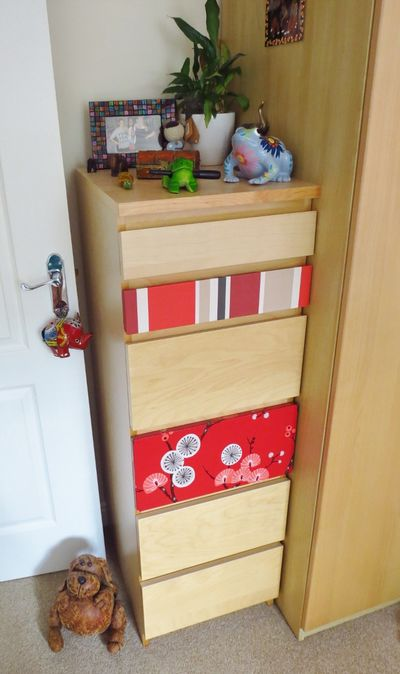 Wallpapering chest of drawers (7)