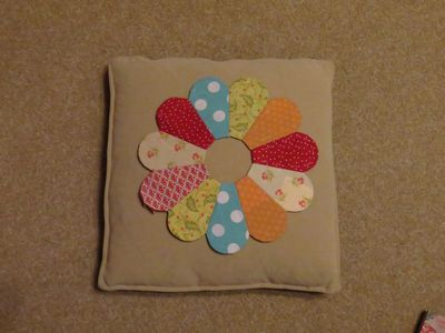 Dresden Plate Cushion (11)