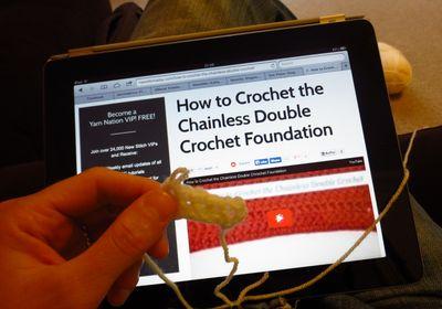 Crochet cushion cover - diagonal stripes (8)