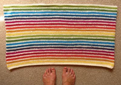 Crochet cushion cover - diagonal stripes (16)