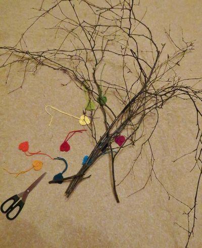 Crochet hearts on twigs (10) (833x1024)
