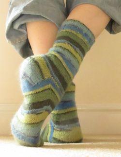 Jenerally Speaking - Knitted socks (3) (992x1280)