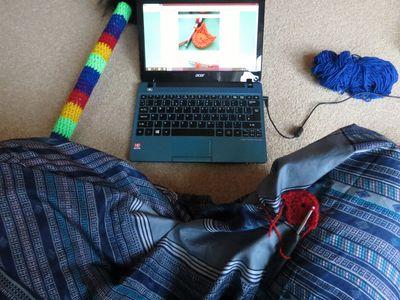 Crochet decoration on a hobby horse (4)