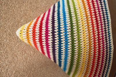 Crochet cushion cover - diagonal stripes (10)