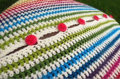 Crochet cushion cover - diagonal stripes (7)