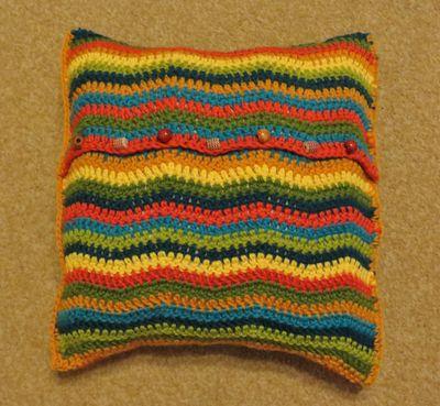 Little R's cushion (4)