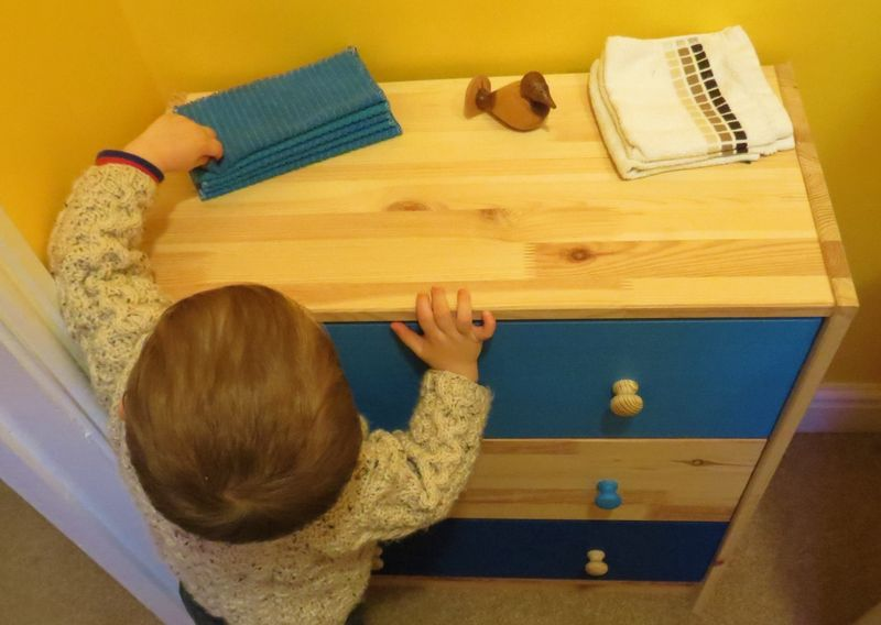 Painted chest of drawers (11)