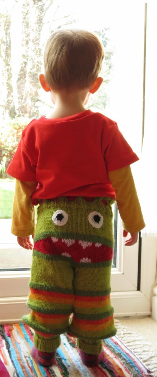 Monster bottom knitted trousers (4)