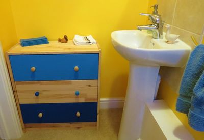Painted chest of drawers (9)