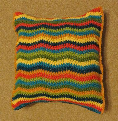 Little R's cushion (3)