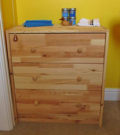Painted chest of drawers (1)